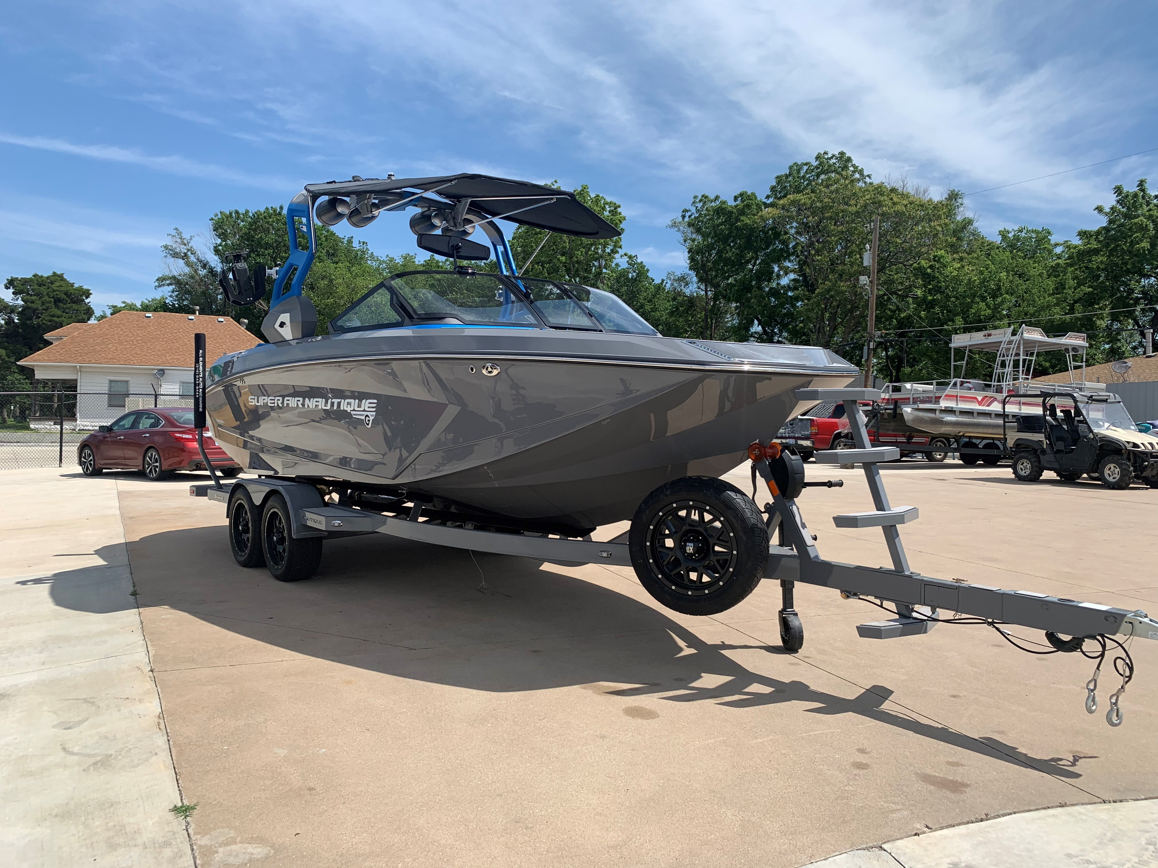 2019 Nautique Gray G23 Starboard Front View